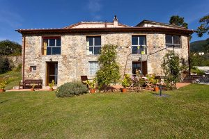 Charming Villa in Matraia